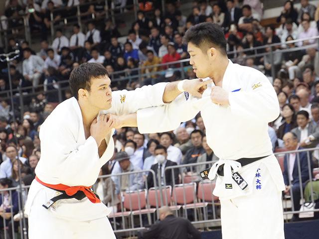 男子100kg級1回戦 ウルフアロンvs小林大輔�@
