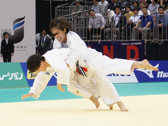女子70kg級決勝戦 田知本遥vs新井千鶴�C