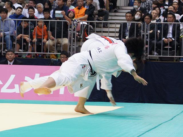 女子78kg級1回戦 佐藤瑠香vs赤嶺麻佑�@