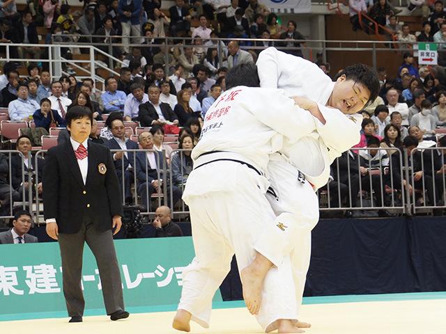 女子78kg超級1回戦 朝比奈沙羅vs井坂希望�A