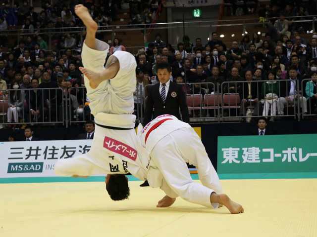 男子73kg級 橋本壮市 vs 福岡克仁