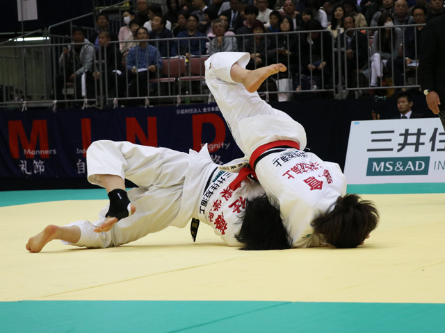 女子63kg級 鍋倉那美 vs 佐藤史織
