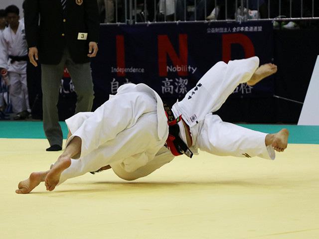 男子60kg級 米村克麻 vs 永山竜樹