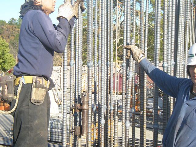 鉄筋の「圧設工事」