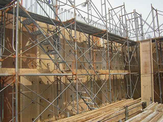 四階壁配筋と型枠工事