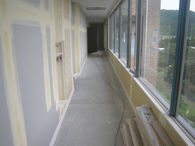 七階廊下下地