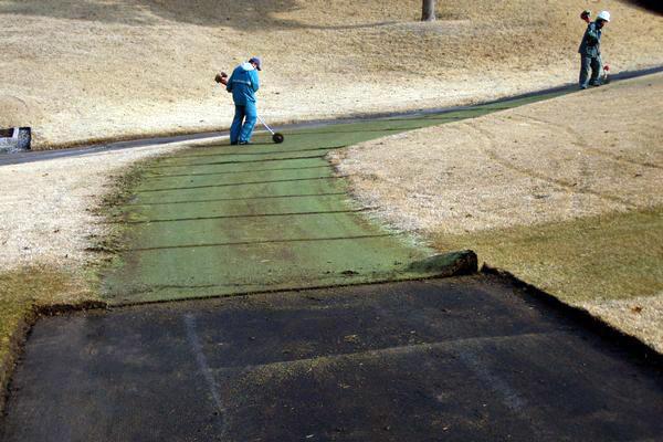 人工芝の撤去
