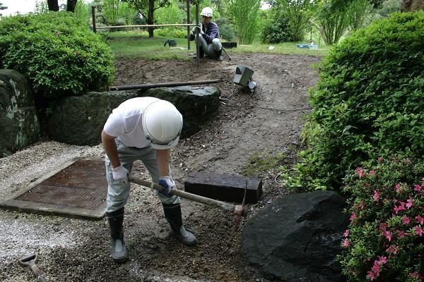 男子風呂 脱衣室外側の庭園化作業