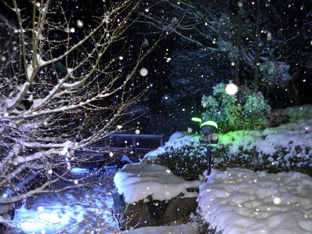 夜の雪景色・露天風呂編