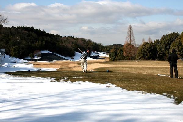雪も溶け今日からオープン!!