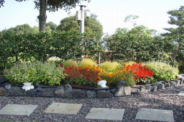 パッティンググリーン西花壇