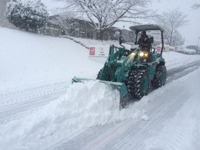 進入路・駐車場除雪作業