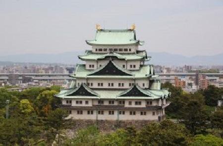 秋の観光スポット『名古屋城』