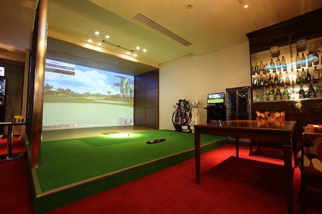 室内のゴルフはシュミレーションゴルフ♪