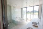 内観浴室②