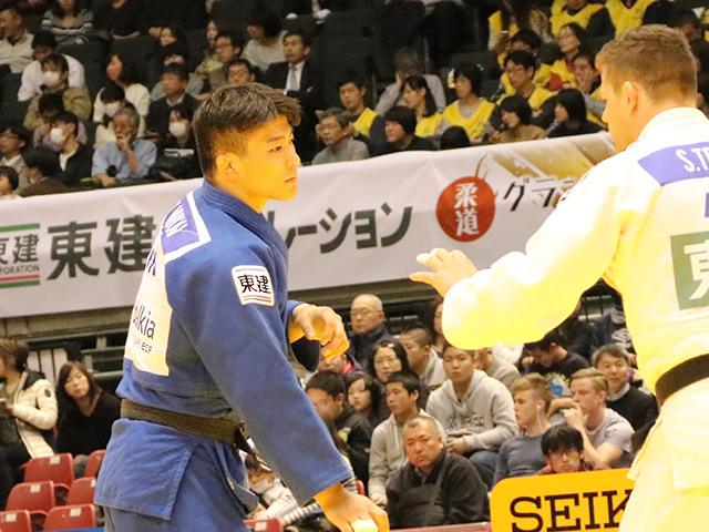 柔道グランドスラム東京2016 男子90kg級 二回戦 向翔一郎 vs S.TEMESI�@