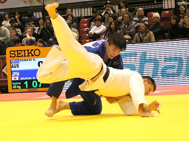 柔道グランドスラム東京2016 男子90kg級 二回戦 向翔一郎 vs S.TEMESI�A