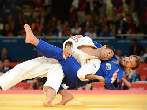 平岡が日本勢初のメダル獲得