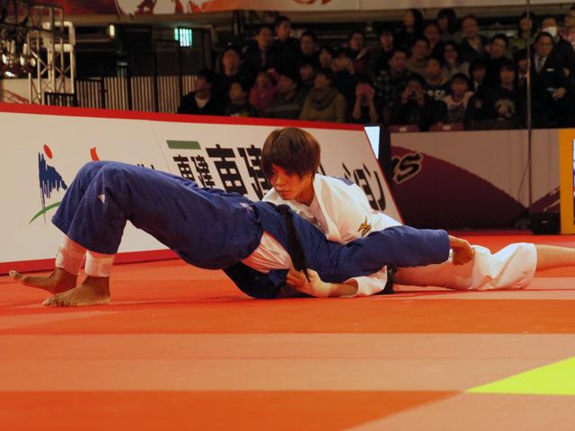 柔道グランドスラム東京2015 女子63kg級 3位決定戦 田代未来 vs A.VAN EMDEN