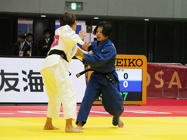 女子48kg級 2回戦 芳田真 vs U.MUNKHBAT