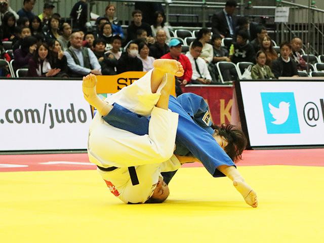 女子70kg級 準々決勝戦 新添左季 vs M.PORTELA