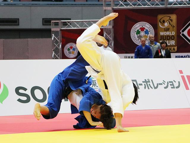 女子70kg級 準決勝戦 新井千鶴 vs M.PINOT