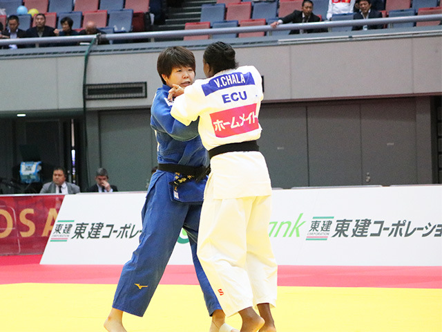 女子78kg級 準々決勝戦 梅木真美 vs V.CHALA
