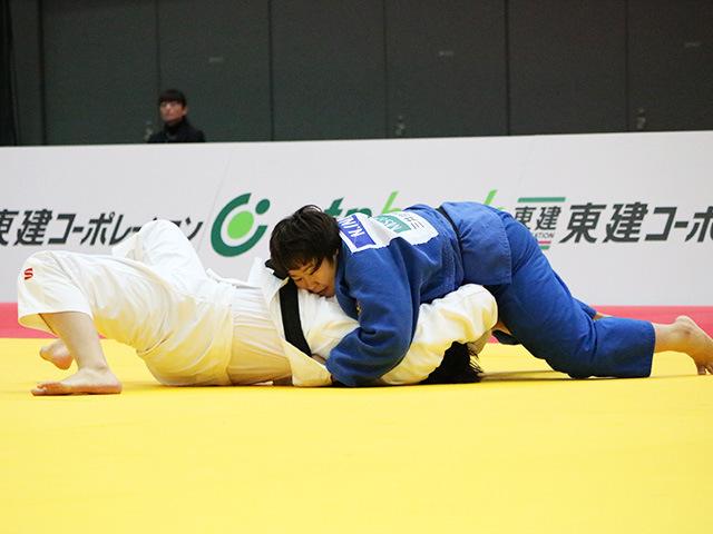 女子78kg超級 1回戦 稲森奈見 vs Y.WANG
