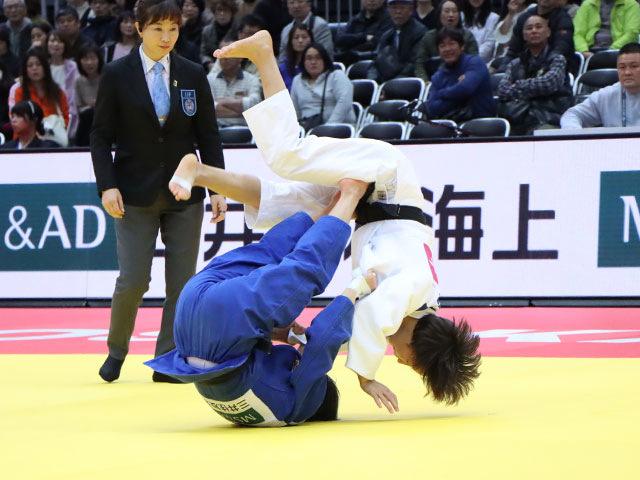女子48kg級 角田夏実 vs U.MUNKHBAT