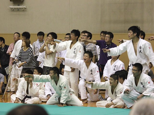 東京大学vs京都大学�C