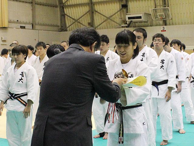女子優勝:北海道大学