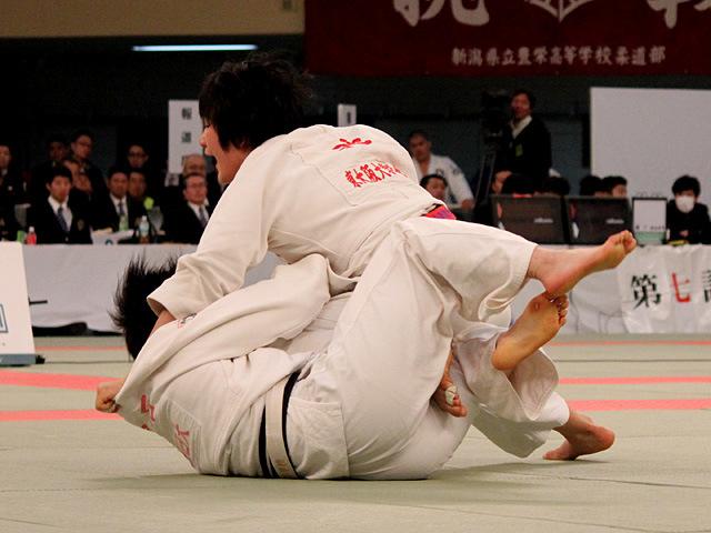 女子70kg級決勝 池絵梨菜 vs 畠石香花�A