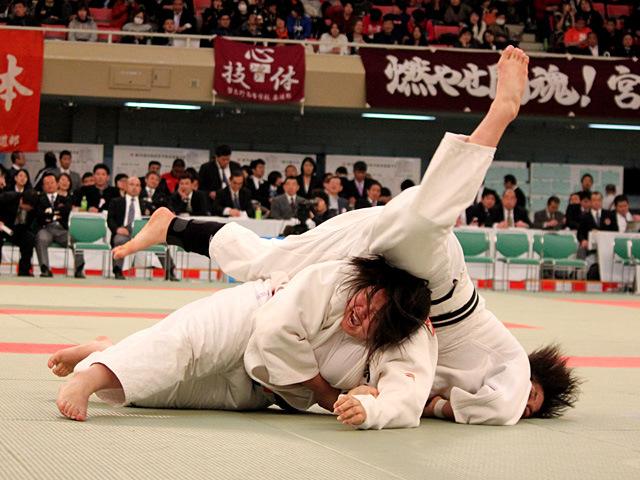 女子無差別級準決勝 佐藤杏香 vs 荒谷莉佳子�A