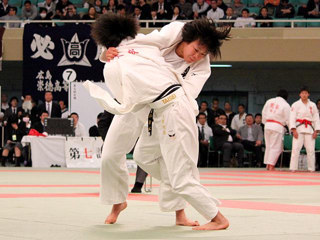女子63kg級決勝_嶺井美穂vs鍋倉那美�A