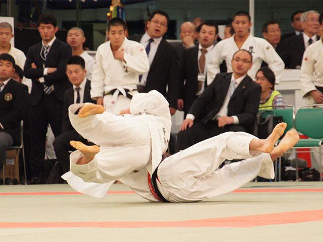 男子66kg級4回戦 石郷岡秀征vs東亮輝