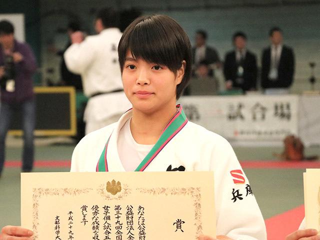 女子52kg級優勝阿部詩