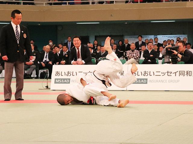 男子60kg級決勝市川龍之介vs福田大悟�C