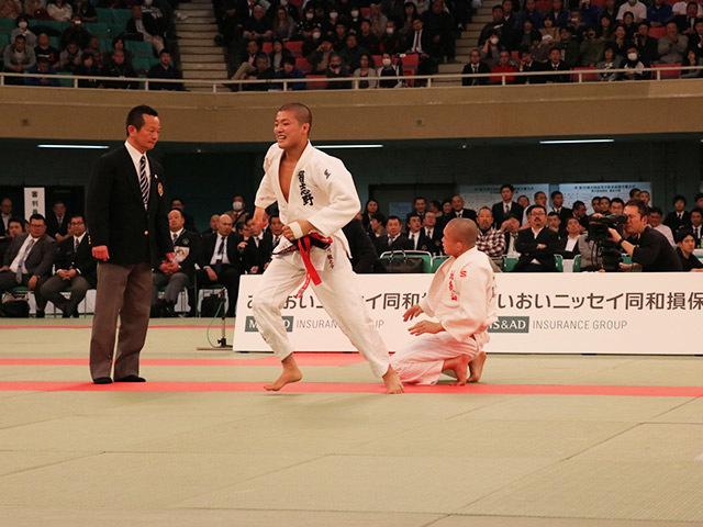 男子60kg級決勝市川龍之介vs福田大悟�D