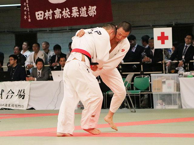 男子73kg級2回戦<br>塚田朝太郎vs溝依郁人