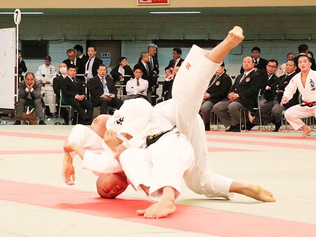 男子73kg級決勝戦<br>石原樹vs田中裕大