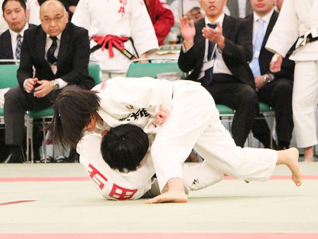 女子48kg級3回戦<br>石田成美vs��野麻衣
