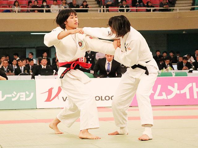 女子57kg級決勝戦<br>中水流りりvs谷朱音�@