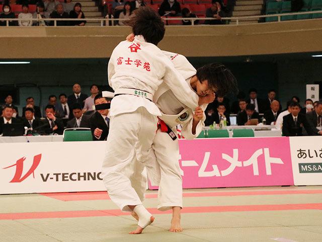 女子57kg級決勝戦<br>中水流りりvs谷朱音�A