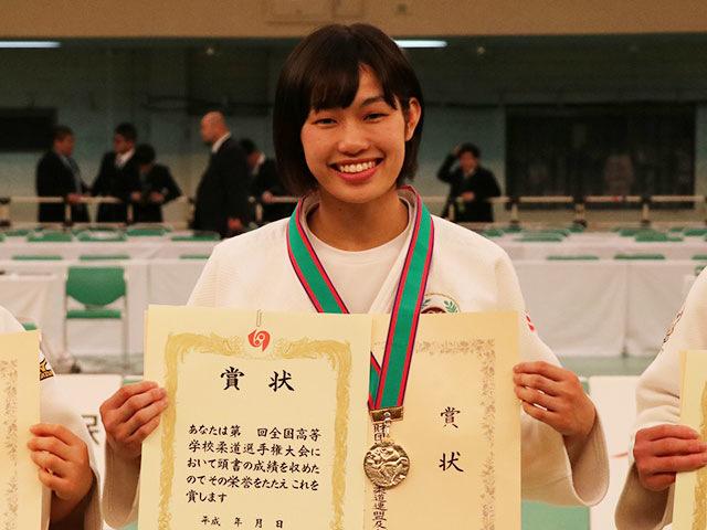 女子57kg級優勝<br>中水流りり