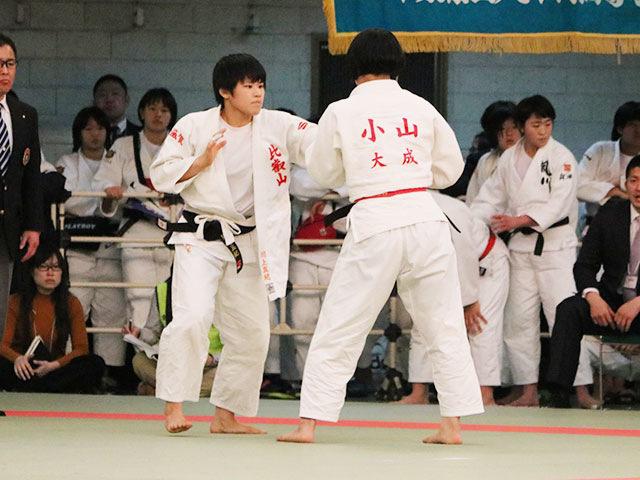 女子63kg級3回戦<br>小山遥佳vs川上真紀