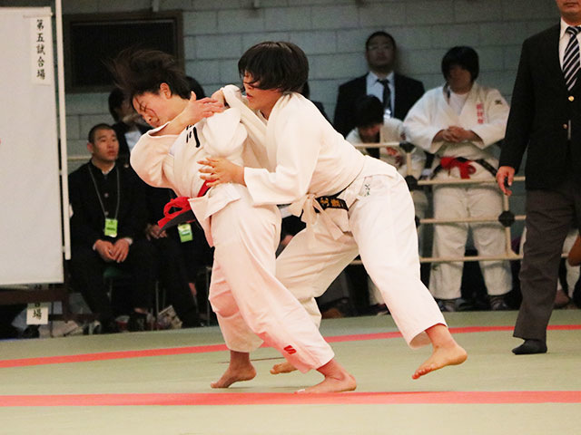 女子63kg級4回戦<br>畑田暁菜vs小山遥佳