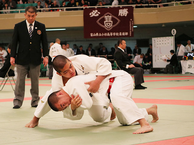 大牟田高校 vs 埼玉栄高校