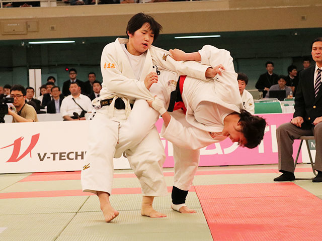 女子決勝戦<br>富士学苑高校vs埼玉栄高校�C
