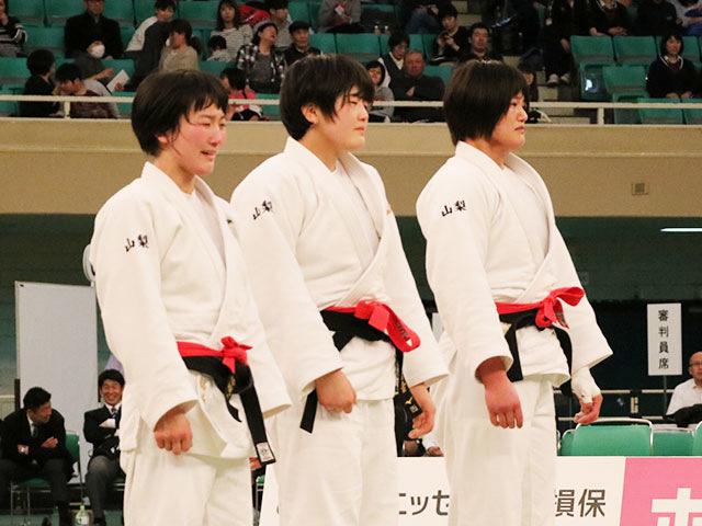 女子決勝戦<br>富士学苑高校vs埼玉栄高校�E