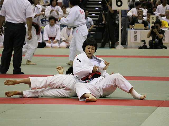 大会初日:女子は、本大会2連覇を狙う南筑高校などが勝ち進む